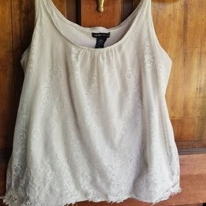 Gorgeous lace tank